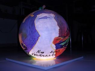 globe013